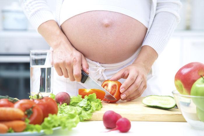 Gezondheidsraad wil advies over gezonde voeding voor zwangeren