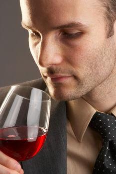 Kans op levercirrose groter bij meer dan 2,5 glazen alcohol per dag