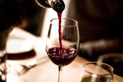 Tot 10 glazen alcohol per week geen verhoogd sterfterisico