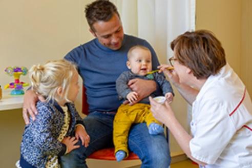 Pinda- en ei-poli voor zuigelingen in Martini Ziekenhuis