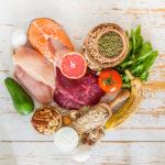 Koolhydraatbeperkt dieet beter voor bloedlipiden dan vetbeperkt dieet